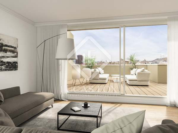 210m² Penthouse with 100m² terrace for sale in Eixample Right