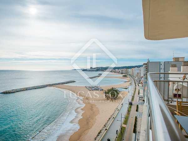 3-bedroom apartment to buy on Antoni de Calonge seafront
