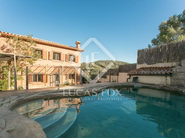 229m² House / Villa with 12m² terrace for sale in Olivella