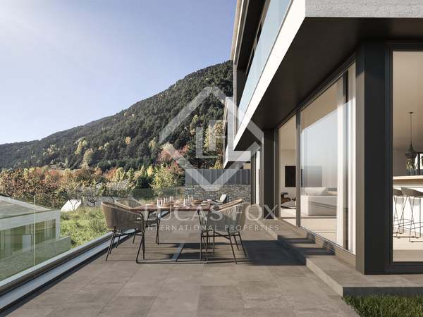 767m² House / Villa with 257m² garden for sale in La Massana