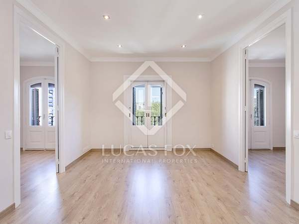 3-bedroom apartment for rent on Carrer Pelai