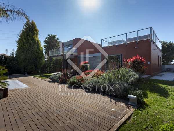 525m² House / Villa for sale in Bétera, Valencia