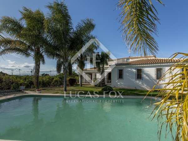 350m² House / Villa for rent in Bétera, Valencia