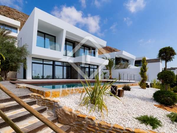 Huis / Villa van 477m² te koop in Finestrat, Alicante