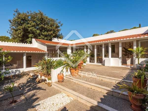 360 m² villa for sale in Mercadal, Menorca