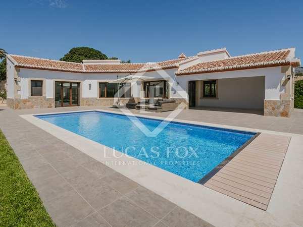 Huis / Villa van 239m² te koop in Jávea, Costa Blanca