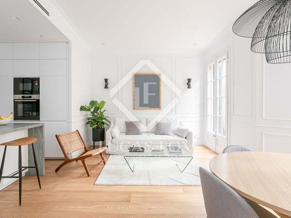 97m² Apartment with 9m² terrace for sale in Eixample Left