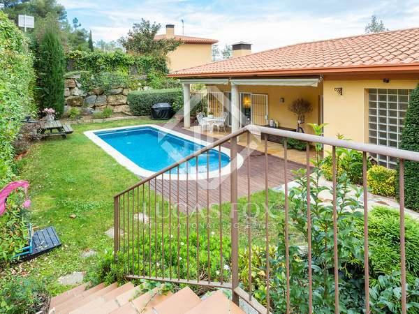 Huis / Villa van 228m² te koop in Sant Cugat, Barcelona