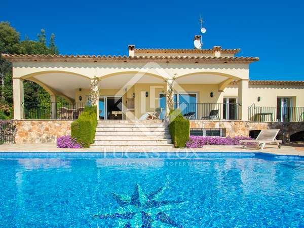 Villa de 369m² con 2.500m² de jardín en venta en Platja d'Aro