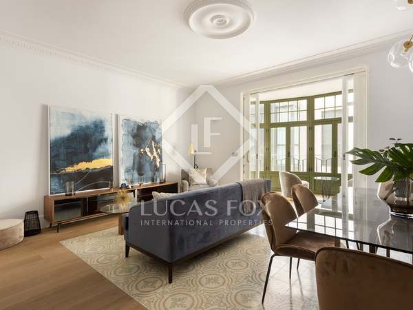 105m² Penthouse with 49m² terrace for sale in Eixample Right