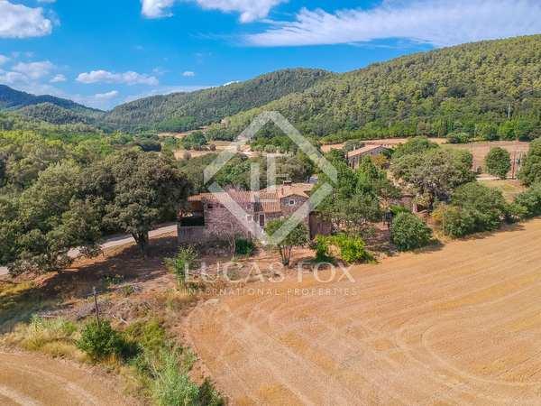 Masia de 980m² en venda a El Gironés, Girona