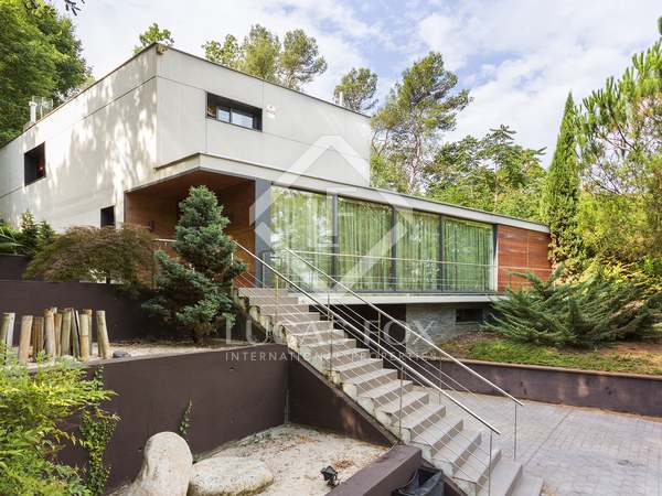 Modern house for sale near Sant Cugat, Barcelona