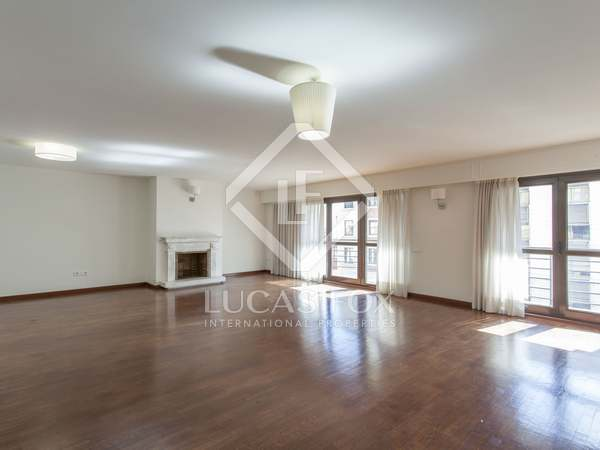 249m² Apartment with 19m² terrace for rent in El Pla del Remei