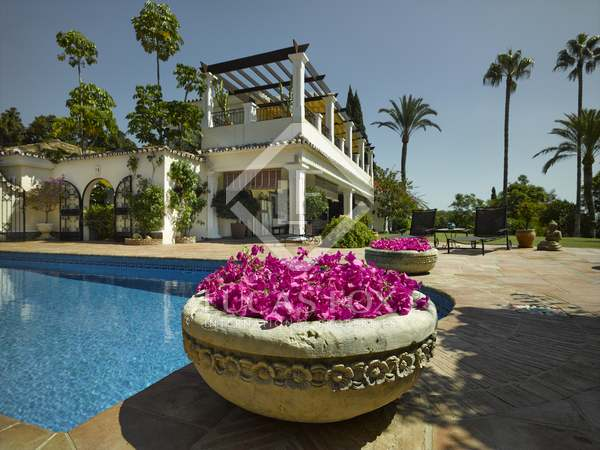 Huis / Villa van 702m² te koop met 59m² terras in San Pedro de Alcántara / Guadalmina