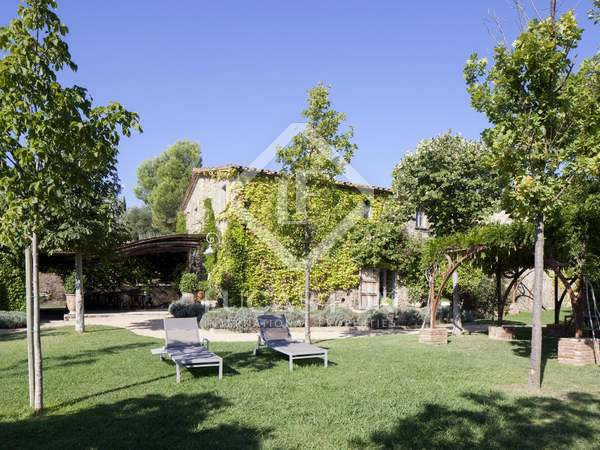 Country property for sale in Baix Empordà with spectacular views