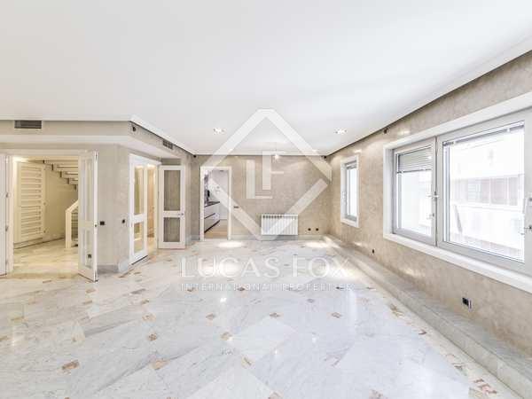 Ático de 260m² con terraza de 25m² en alquiler en Almagro