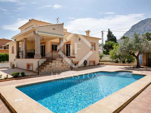 208 m² house for sale in Denia, Costa Blanca