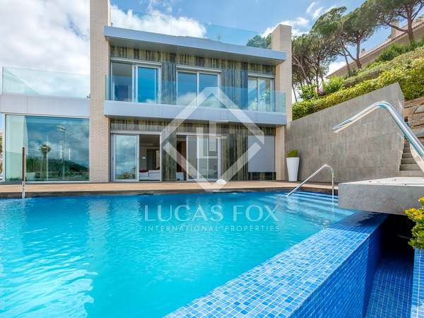 Stunning modern villa for sale in Fenals, Lloret de Mar