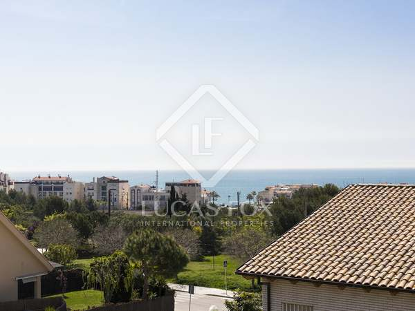 164 m² house for sale in Levantina, Sitges