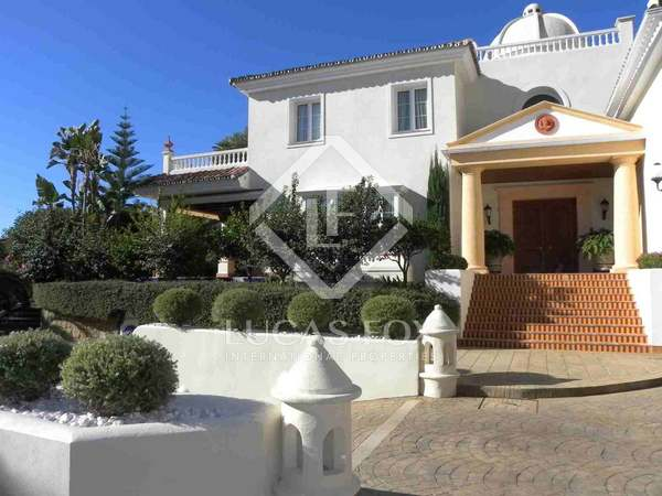 780m² House / Villa with 2,100m² garden for sale in Golden Mile