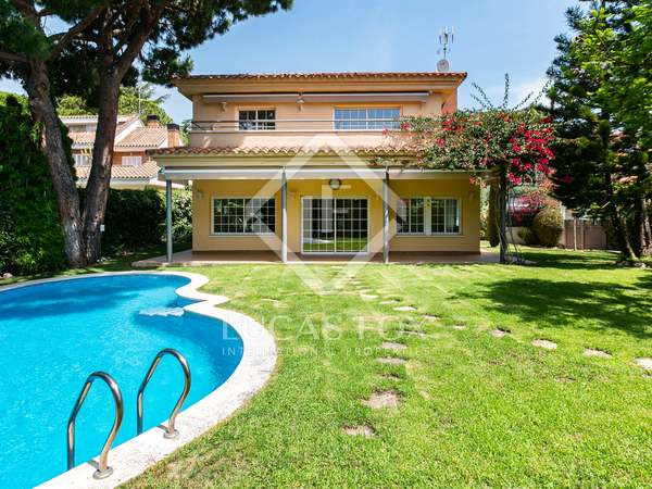 392m² House / Villa for sale in Cabrils, Maresme