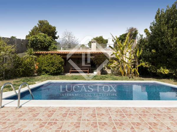 358 m² villa for sale in Quint Mar, Sitges