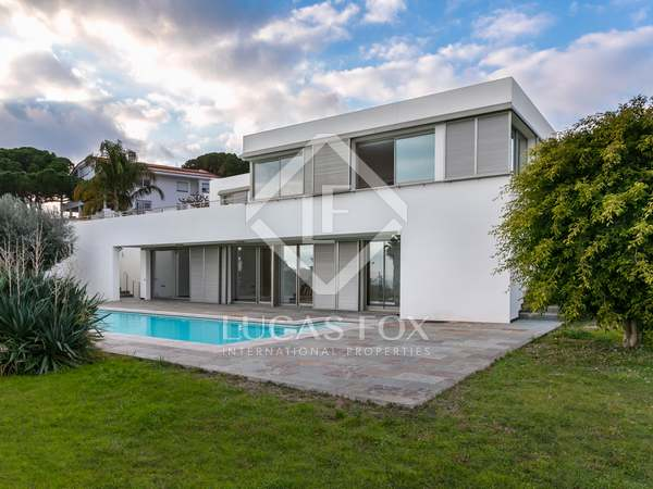 399m² House / Villa with 970m² garden for sale in Arenys de Mar
