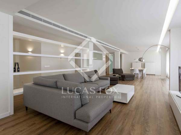 296 m² apartment with a terrace for rent in El Pla del Remei