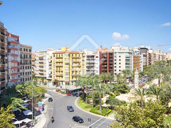 260m² Apartment with 30m² terrace for sale in Alicante ciudad