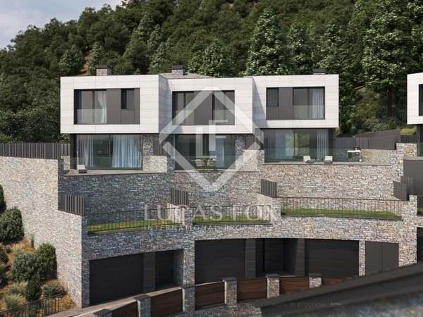 Huis / Villa van 324m² te koop met 243m² Tuin in La Massana