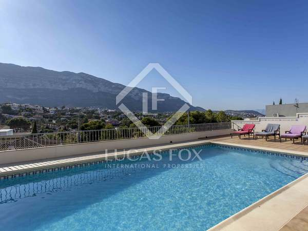 337 m² house with 1,400 m² garden for rent in Dénia