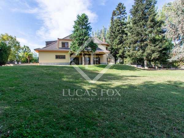 Huis / Villa van 480m² te koop in Aravaca, Madrid