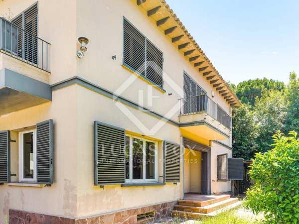 293m² House / Villa with 178m² garden for sale in Sant Gervasi - La Bonanova