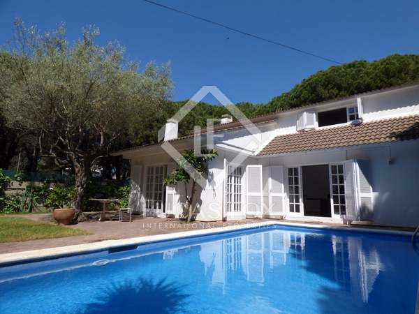 233 m² apartment for rent in Castelldefels
