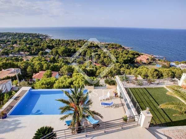 Huis / Villa van 441m² te koop in Dénia, Costa Blanca