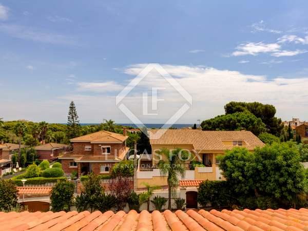 Huis / Villa van 409m² te koop in Torredembarra, Tarragona