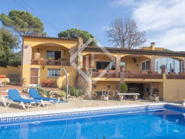 301m² House / Villa for sale in Santa Cristina, Costa Brava