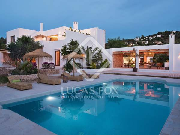 Huis / Villa van 342m² te koop in San José, Ibiza