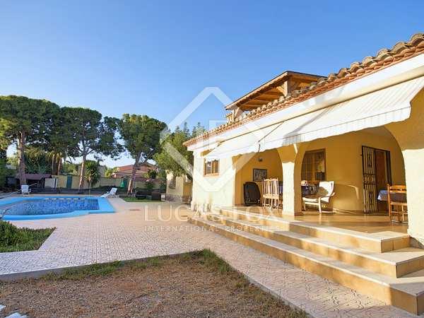 293m² House / Villa for rent in Playa San Juan, Alicante