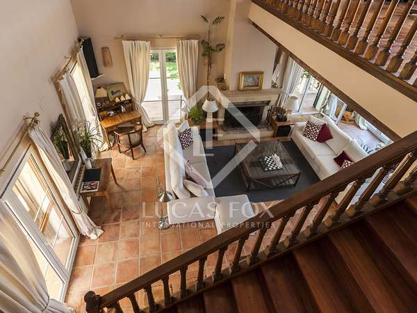 Lovely bright, airy house to buy in Ciudalcampo, Madrid