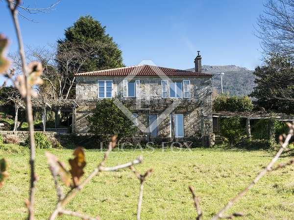 320m² House / Villa for sale in Pontevedra, Galicia