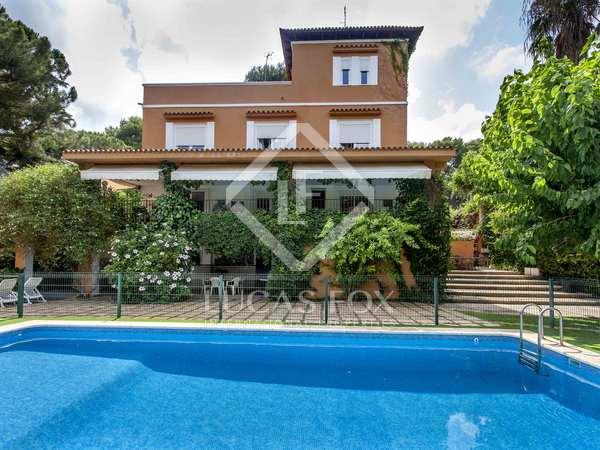 532 m² villa for sale in Godella, Valencia