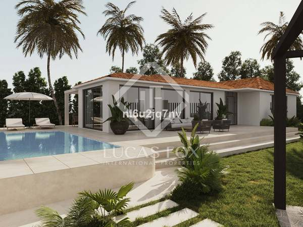 210m² House / Villa with 950m² garden for sale in Nueva Andalucía