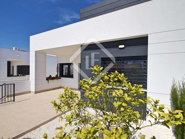 69m² House / Villa with 56m² garden for sale in Alicante ciudad
