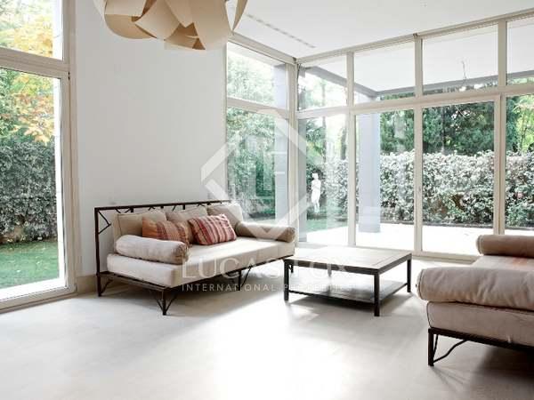 900m² Lägenhet till uthyrning i Hispanoamérica, Madrid
