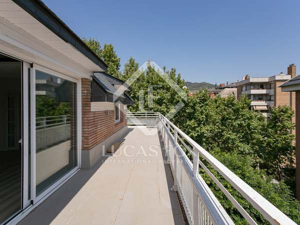 222m² Penthouse with 131m² terrace for sale in Tres Torres