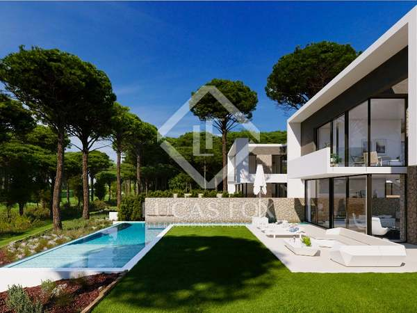 220 m² golf property for sale in Girona