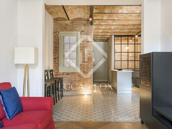 80m² Apartment with 8m² terrace for rent in Eixample Left