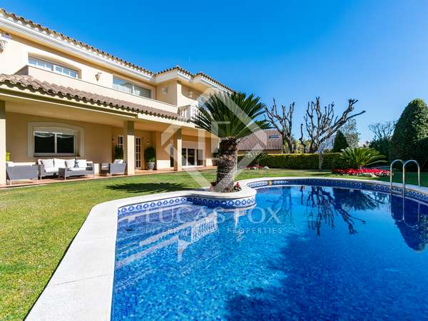 640m² House / Villa for sale in Cabrils, Barcelona