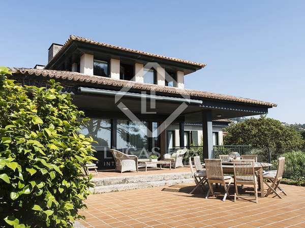 Huis / Villa van 836m² te koop in Pontevedra, Galicia